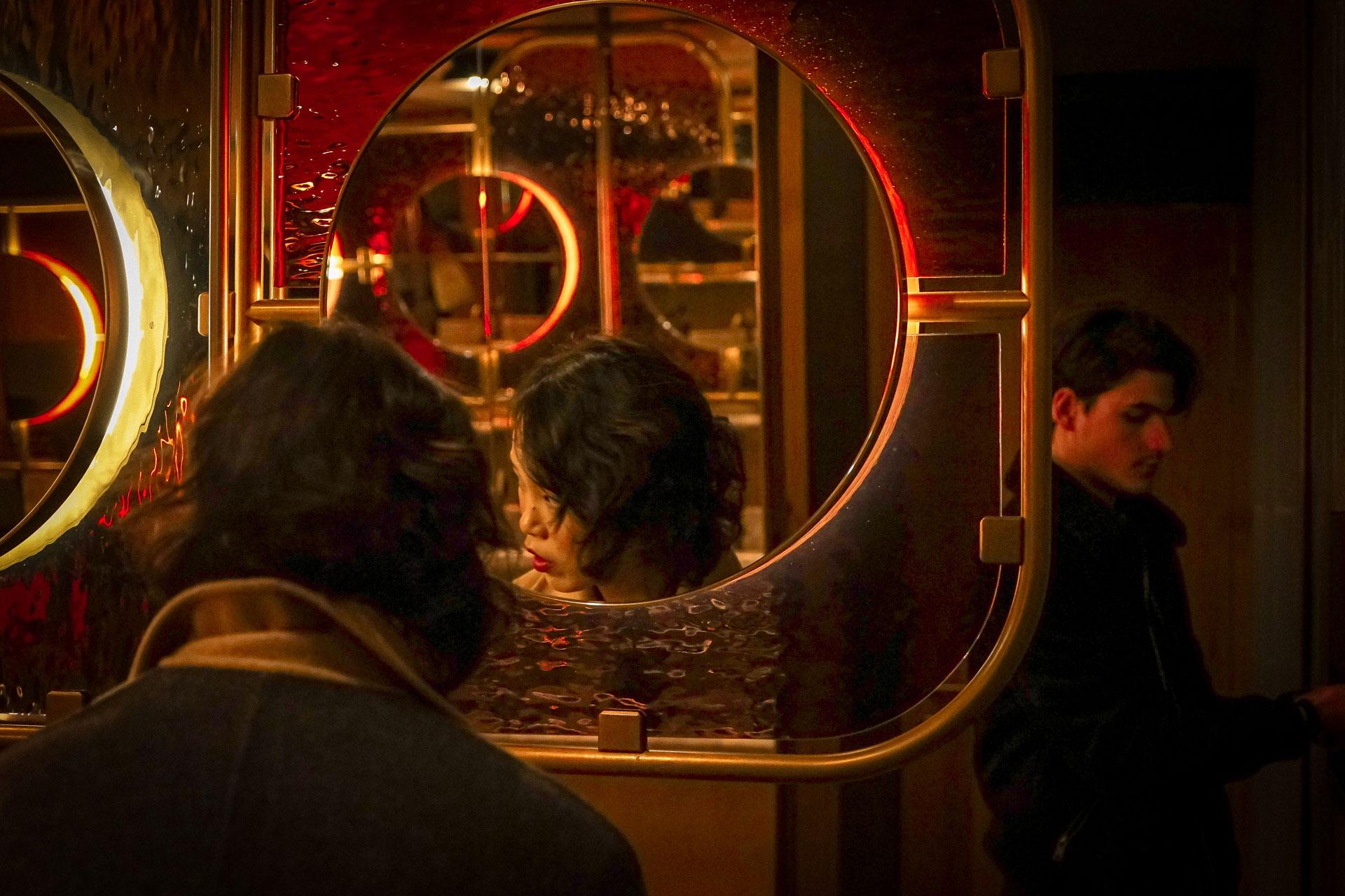 starbucks, in the mood for love, specchi, milano, elena galimberti, fotografia